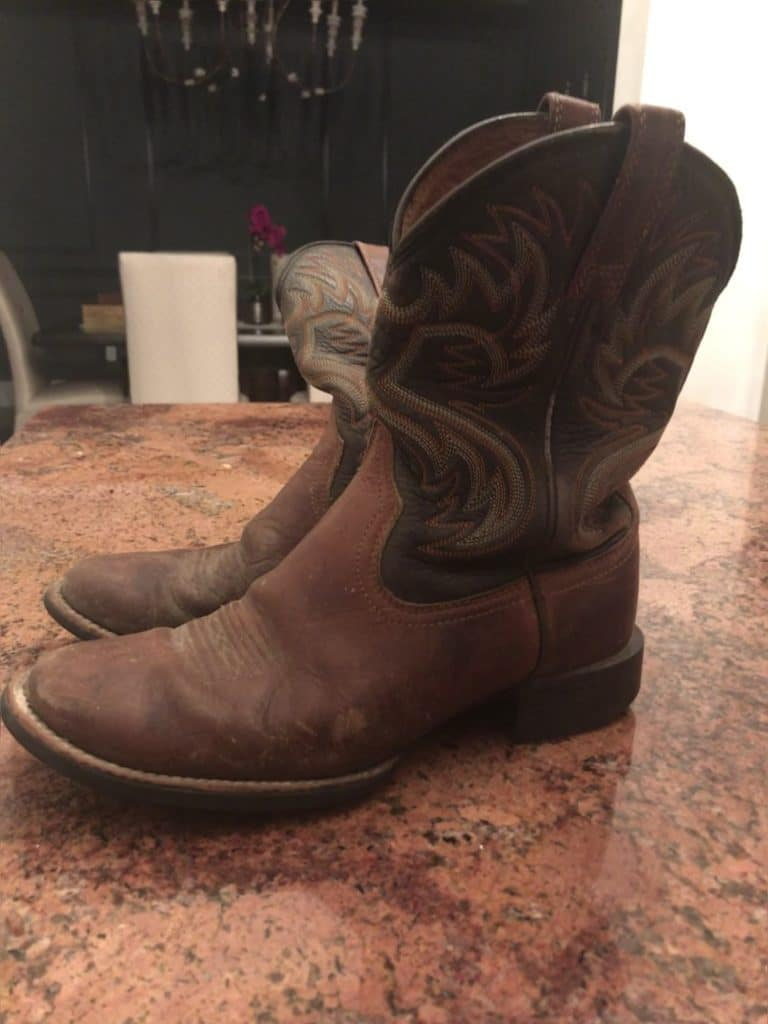 picture of my comfortable pair of Ariat roper cowboy boots,