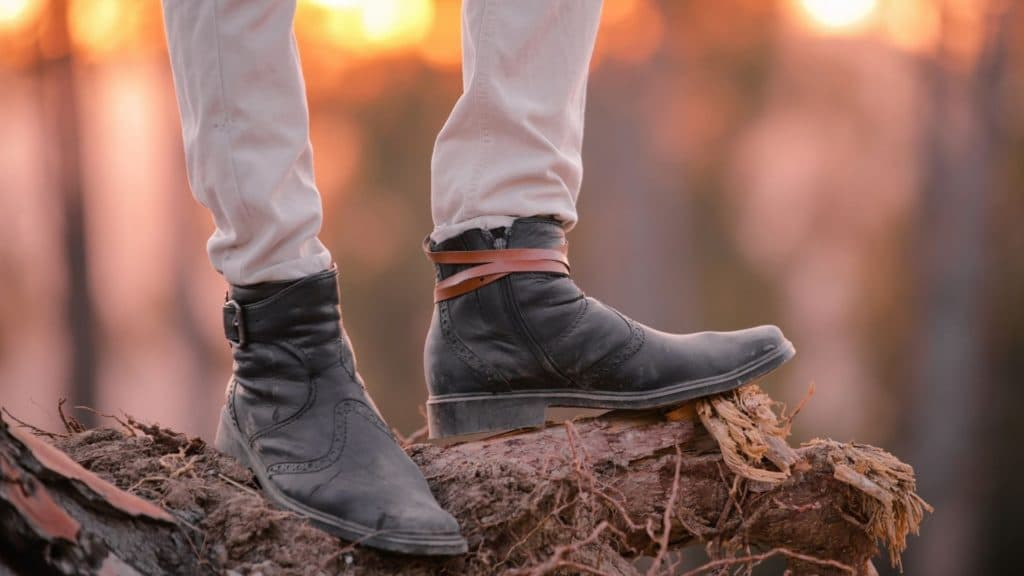 picture of a person wearing short shaft zipper cowboy boots,
