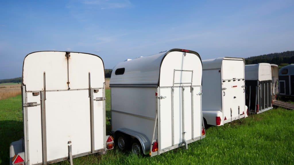 rent a horse trailer, horse trailers for rent,